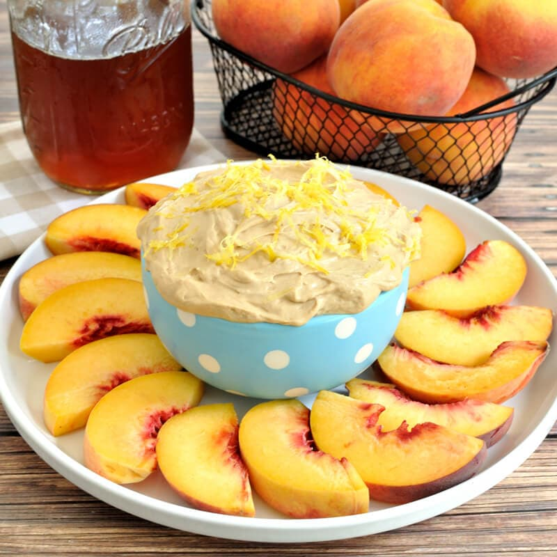 Sweet-Tea-Fruit-Dip-with-Peaches